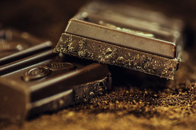 czy będąc na diecie można jeść czekoladę, podnieść poziom energii